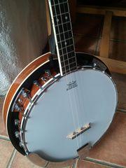 4 string Banjo great condition
